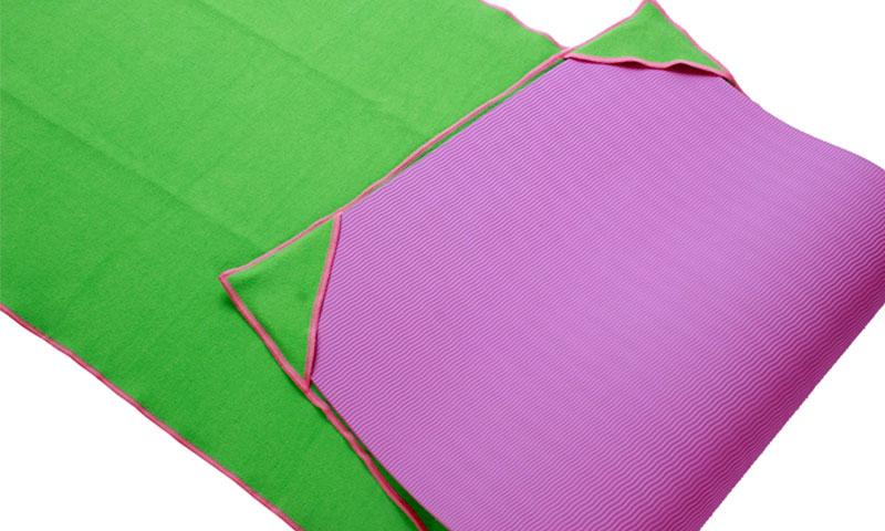 yoga mat towel with 4 corner pockets